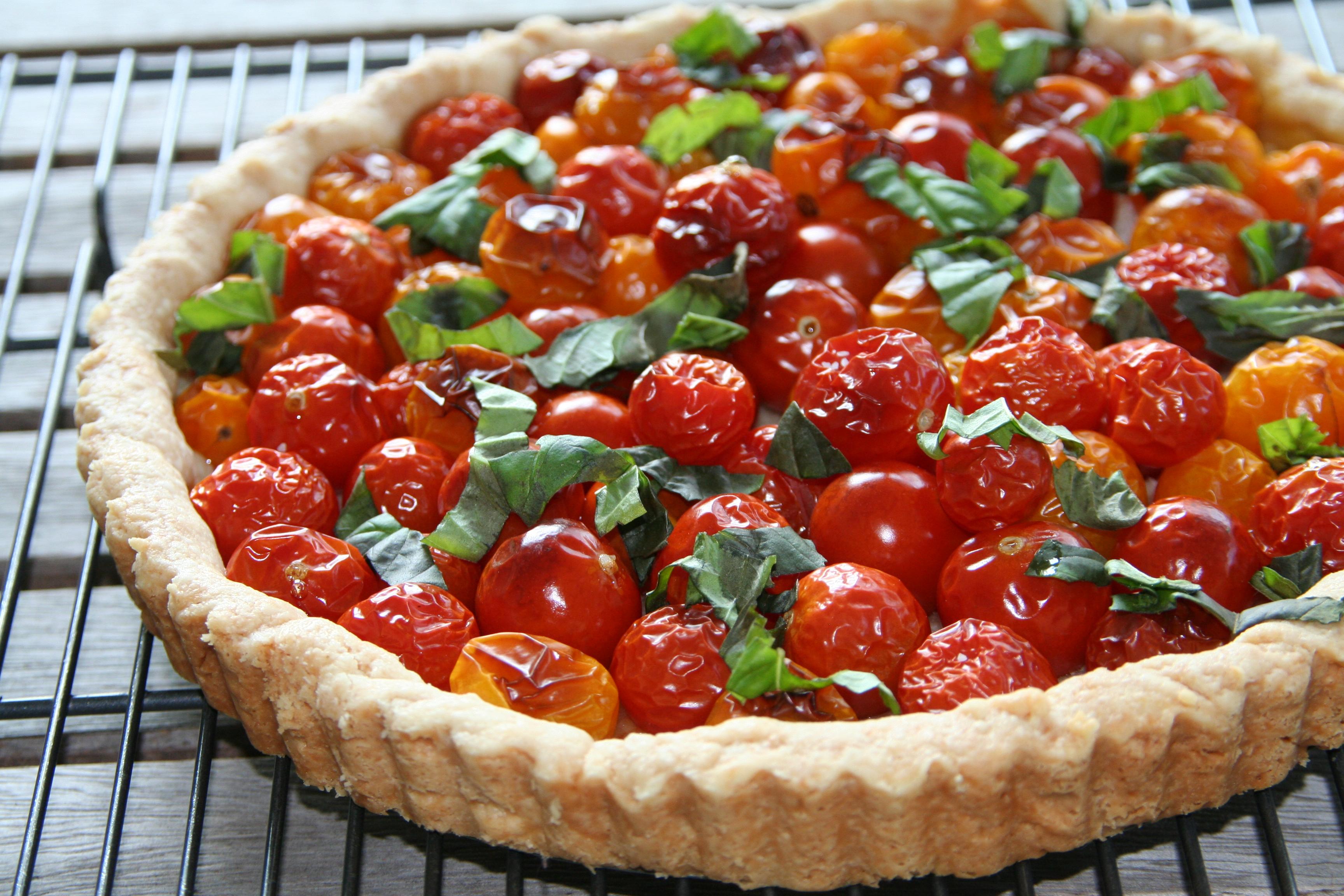 Cherry Tomato Tart with Basil | thebrookcook
