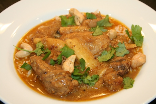 Sri Lankan Coconut Chicken Curry With Cashews Thebrookcook