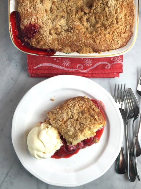 Warm Strawberry Crumb Cake Recipe