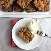 Chocolate Chip Streusel Brownies