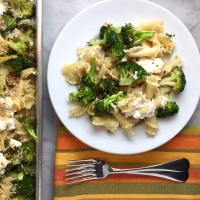 Sheet-Pan Spicy Roasted Broccoli Pasta