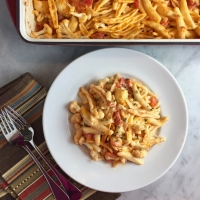 Cheesy Baked Pasta with Cauliflower & Tomatoes